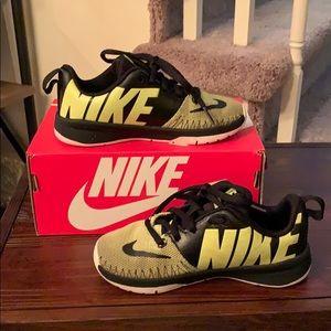 Nike team hustle d7